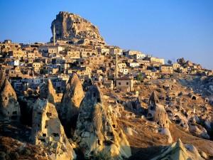 cappadocia-tuff-hills-and-cave-dwellings_28005_600x450